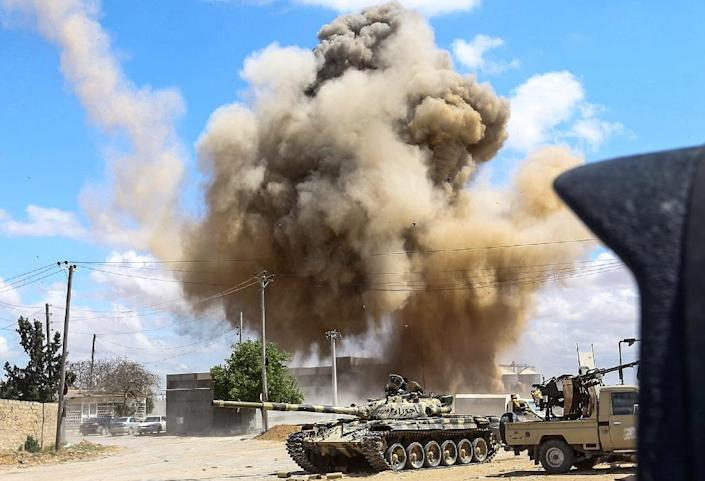 Fierce fighting on the outskirts of the Libyan capital Tripoli has left almost 150 people dead since early April (AFP Photo/Mahmud TURKIA)
