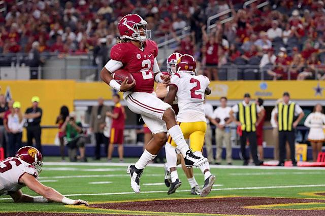 Alabama's Jalen Hurts scores a touchdown against USC in the third quarter. (Getty)