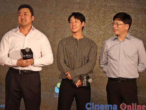 (L-R) Don Lee, Kim Dong-wook and director Kim Yong-hwa were all smiles during the Q&A session.