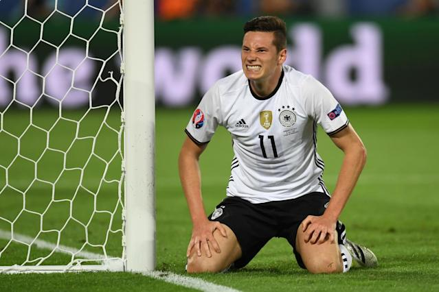 Arsenal, Liverpool and Manchester United in three-way battle to sign Julian Draxler