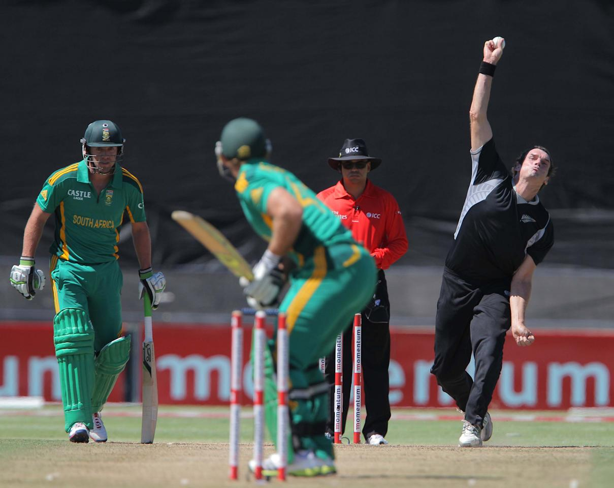 PAARL, SOUTH AFRICA - JANUARY 19:  Kyle Mills of New Zealand during the 1st One Day International match between South Africa and New Zealand at Boland Park on January 19, 2013 in Paarl, South Africa (Photo by Carl Fourie/Gallo Images/Getty Images)
