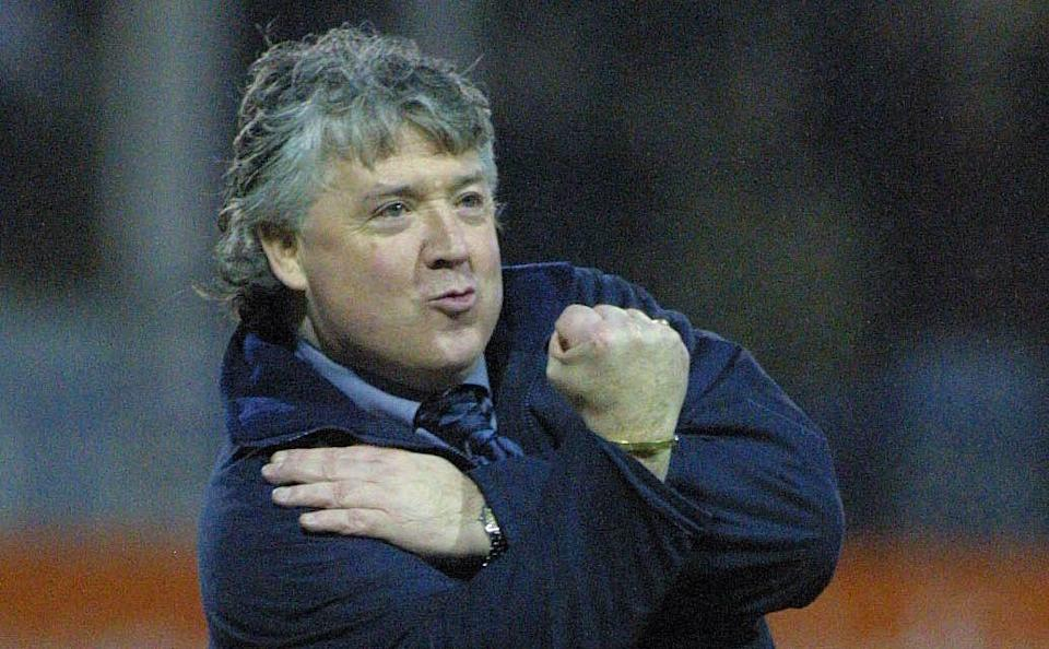 2 Feb 2002: Luton manager Joe Kinnear celebrates his teams win during the Nationwide League Division Three match between Luton Town and Plymouth Argyle at Kenilworth Road, Luton - GETTY IMAGES