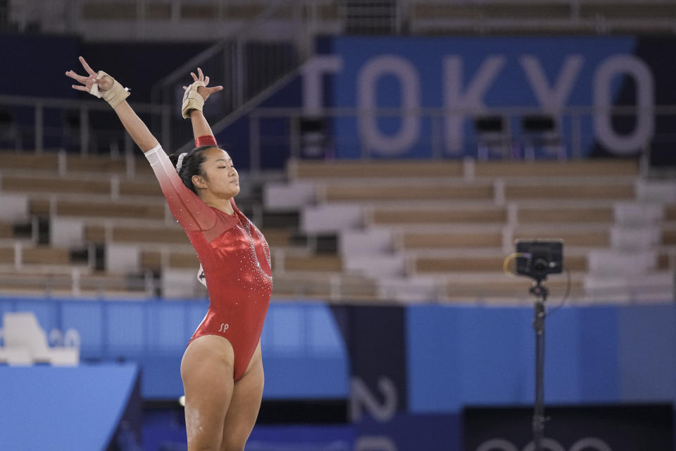 Singapore gymnast Tan Sze En in action in the floor exercise at the Tokyo Olympics. (PHOTO: SNOC / Kong Chong Yew)