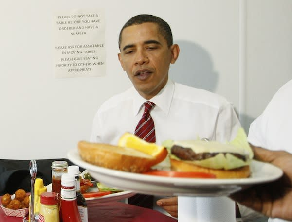 Obama has pre-SOTU lunch with media