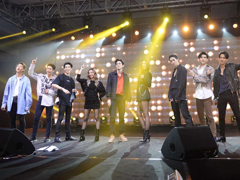 These nine Thai stars heat up the first ever Dimsum Thai Pop concert in Malaysia!