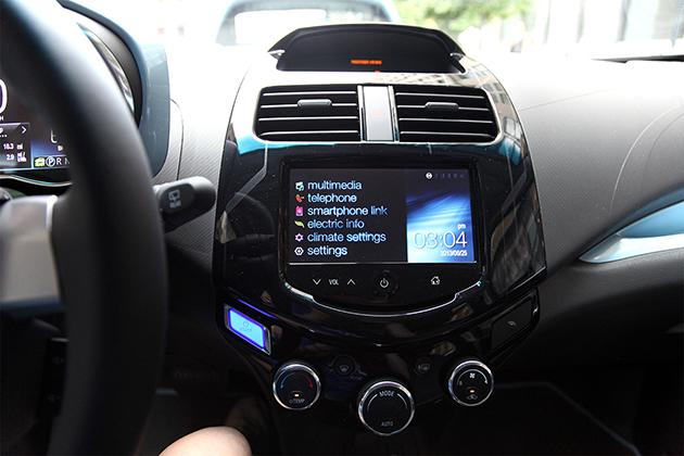 MyLink Interface in a 2014 Chevrolet Spark. (Photo: Siemond Chan)