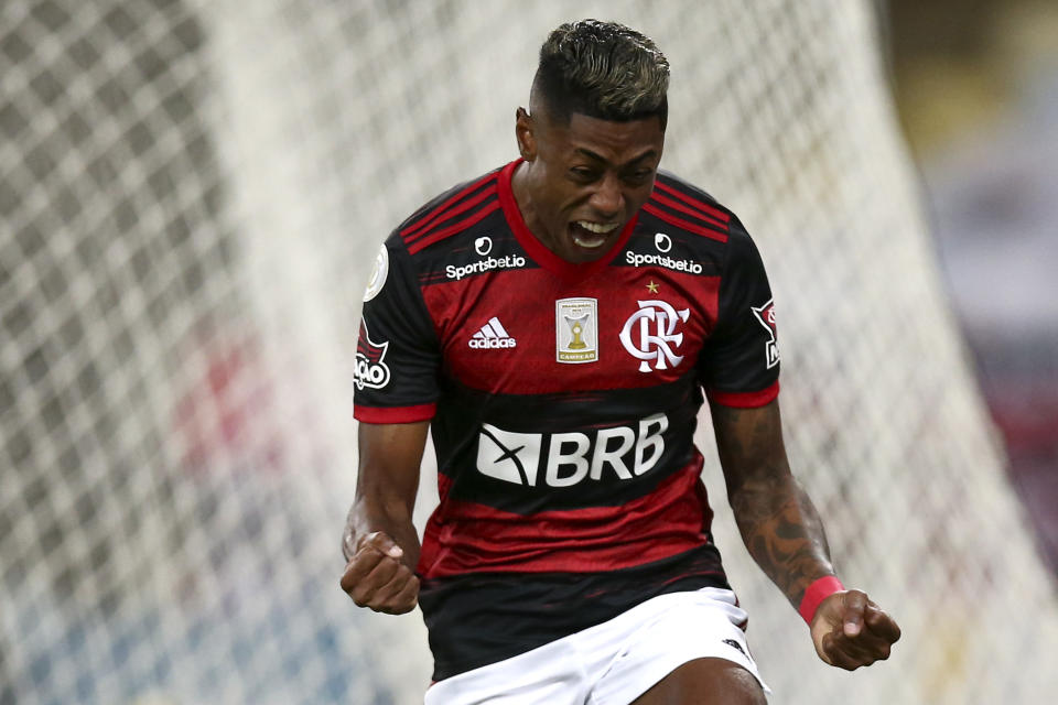 RIO DE JANEIRO, BRAZIL - NOVEMBER 21: Bruno Henrique of Flamengo celebrates after scoring the first goal of his team during a match between Flamengo and Coritiba as part of 2020 Brasileirao Series A at Maracana Stadium on November 21, 2020 in Rio de Janeiro, Brazil. (Photo by Buda Mendes/Getty Images)