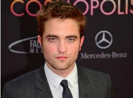 Robert Pattinson Gets Style Tips From Gucci!