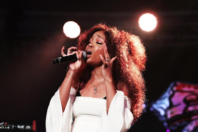 "<p>SZA's debut album, <i>Ctrl.</i>, has received rave reviews. <i>Rolling Stone</i> said ""she made a bold, blunt, and mesmerizing debut album."" SZA is featured on ""What Lovers Do,"" a current top 10 hit by Maroon 5 — the 2004 winners in this category.<br>(Photo: John Parra/Getty Images) </p>"