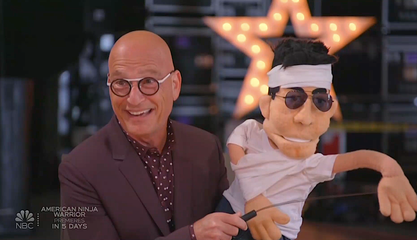 Howie Mandel and his Simon Cowell dummy (Photo: NBC)