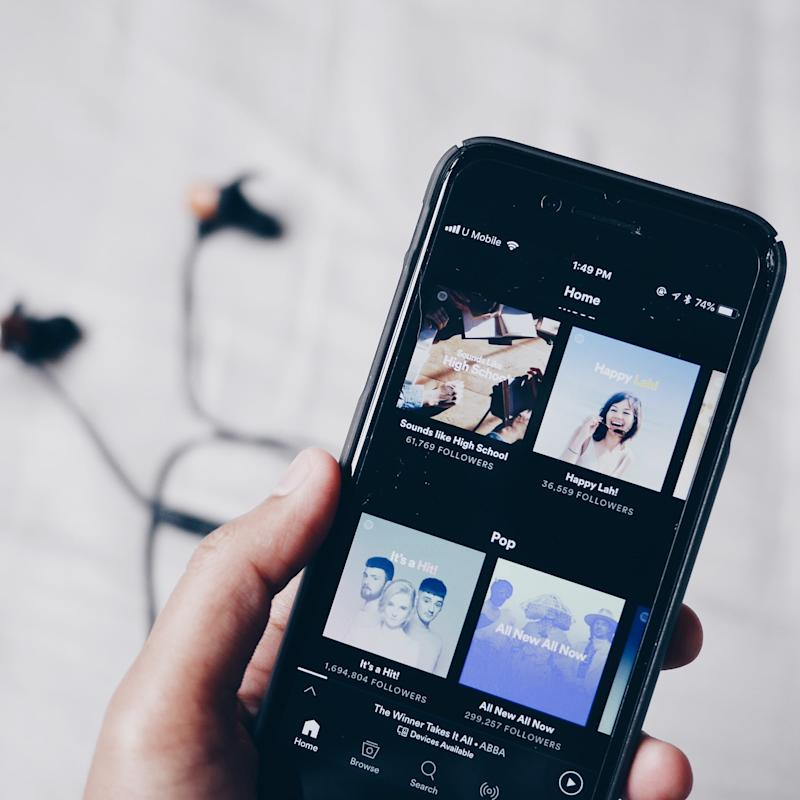 You Can Put Spotify on a Sleep Timer, So No More Waking Up to Turn It Off