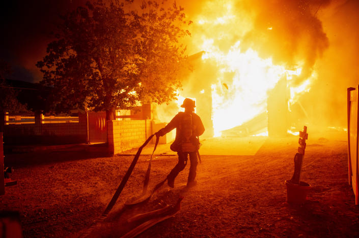 A scene from the Tick Fire, Oct. 24, 2019. (Photo: Hans Gutknecht/MediaNews Group/Los Angeles Daily News via Getty Images)