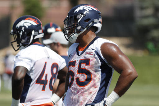 Denver Broncos linebacker Bradley Chubb takes part in drills during practice at the NFL football team's headquarters Tuesday, June 12, 2018, in Englewood, Colo. (AP Photo/David Zalubowski)