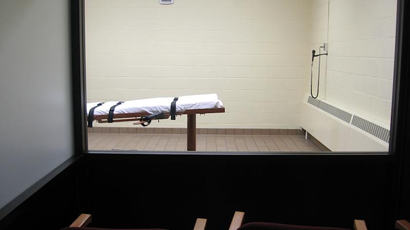 Ohio Delays Execution After Failing To Find Sick Inmate's Vein