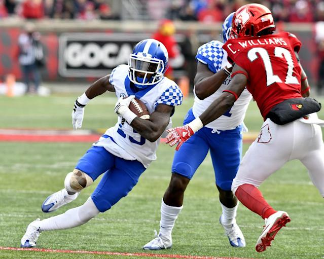 """<a class=""""link rapid-noclick-resp"""" href=""""/ncaaf/players/229119/"""" data-ylk=""""slk:Jeff Badet"""">Jeff Badet</a> led the SEC in yards per reception last year. Now he will finish his career at Oklahoma. (AP Photo/Timothy D. Easley)"""