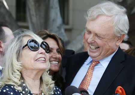 Shelly Sterling, 79, (C) speaks at a news conference with her lawyer Pierce O'Donnell in Los Angeles, California July 28, 2014. REUTERS/Lucy Nicholson