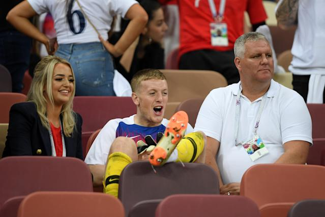 <p>Pickford puts his feet up after the loss. </p>