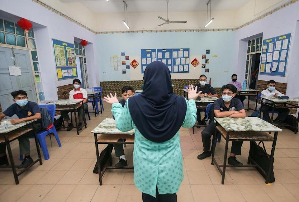 On September 1, Health Minister Khairy Jamaluddin said that around 83 per cent of more than 412,000 teachers nationwide are fully vaccinated, with 96.5 per cent having received at least their first dose. ― Picture by Farhan Najib