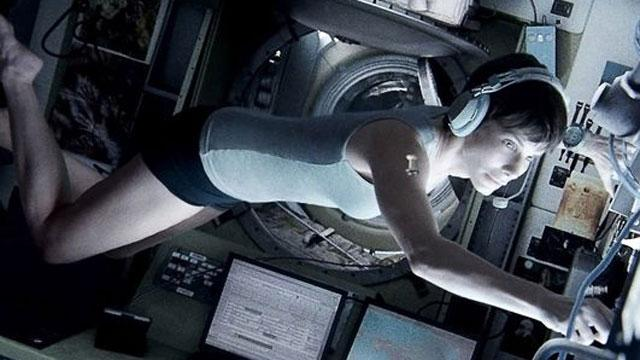 'Gravity' Reviews: Critics Call Alfonso Cuaron's Space Adventure a Masterpiece