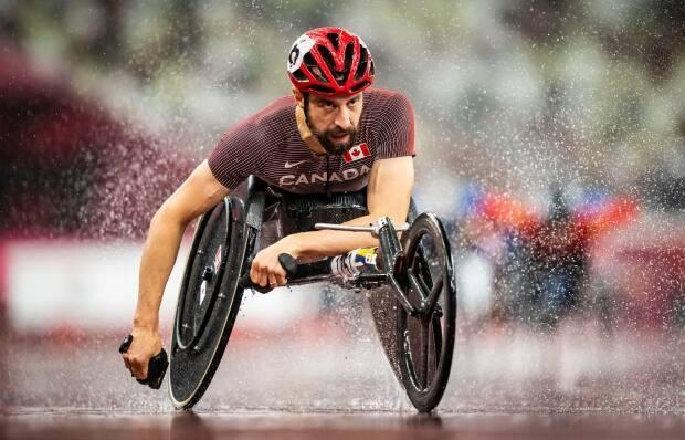 Brent Lakatos, seen above in the T53 800-metre final, was named Friday as Canada's flag-bearer for Sunday's closing ceremony of the 2020 Tokyo Paralympic Games. (Dave Holland/Canadian Paralympic Committee - image credit)