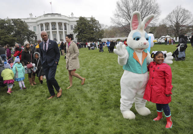 <p>Guests participate in activities during the annual White House Easter Egg Roll on the South Lawn of the White House in Washington, Monday, April 2, 2018. (Photo: Pablo Martinez Monsivais/AP) </p>