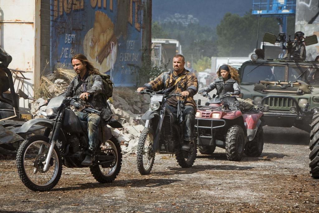 """Colin Cunningham, Brad Kelly, and Luciana Carro in the """"Falling Skies"""" Season 3 Premiere, """"On Thin Ice."""""""