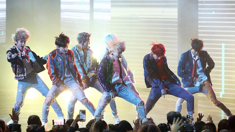 People Are Freaking Out Over K-Pop Band BTS' Performance At The AMAs