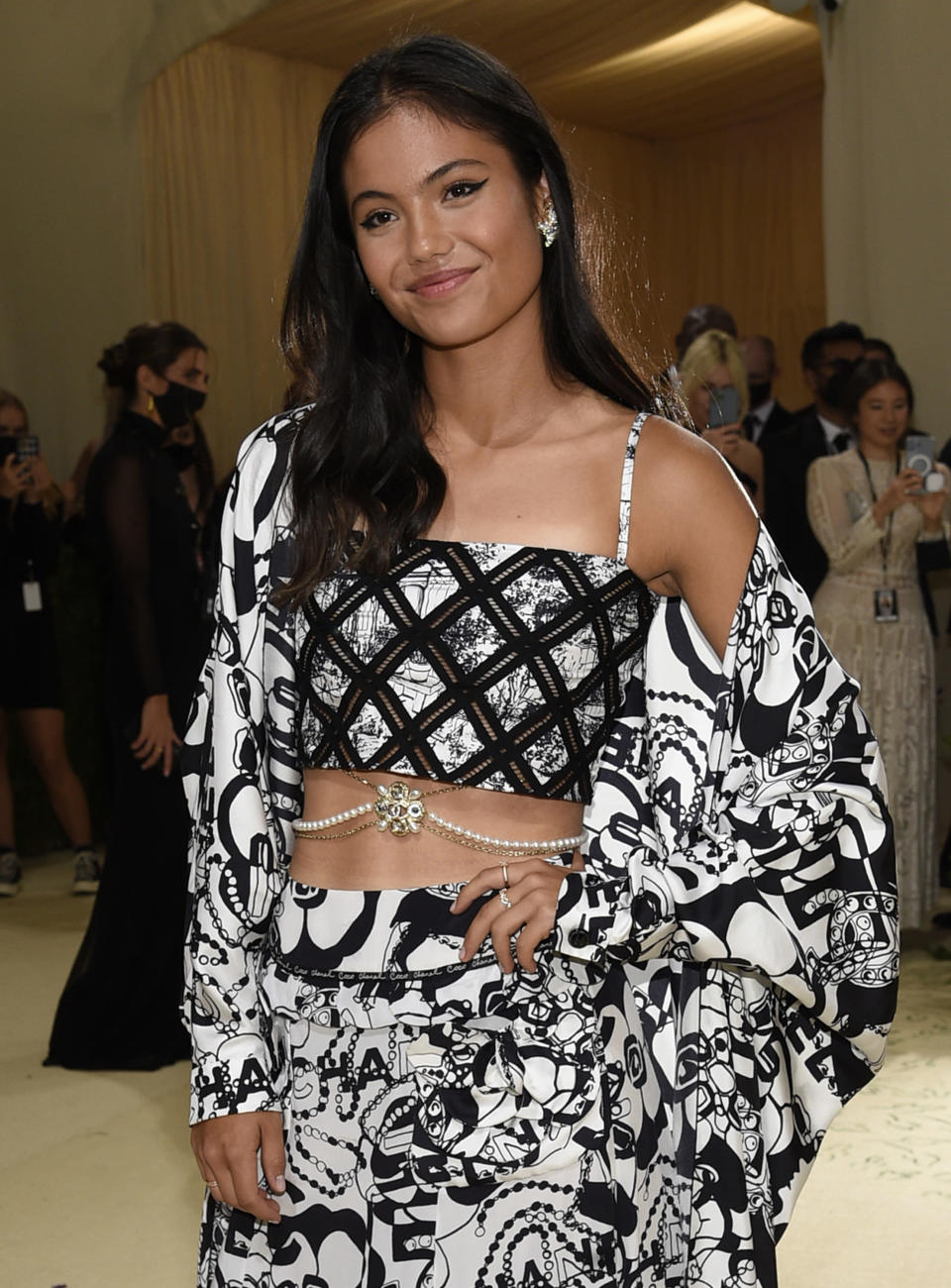 """Emma Raducanu attends The Metropolitan Museum of Art's Costume Institute benefit gala celebrating the opening of the """"In America: A Lexicon of Fashion"""" exhibition on Monday, Sept. 13, 2021, in New York. (Photo by Evan Agostini/Invision/AP)"""