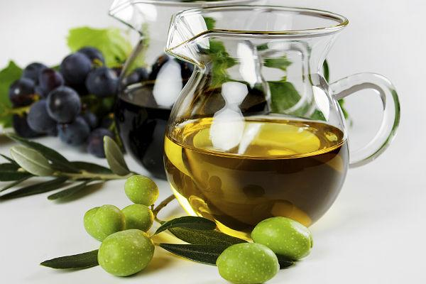 <b>Face-friendly food 7: Extra virgin olive oil</b><br>Integral to the Mediterranean diet, extra virgin olive oil can help nourish your skin from the inside out. High levels of the antioxidant vitamin E and source of the 'good fats' are what makes extra virgin olive oil so skin-beneficial. If you don't already, try using it in place of your regular cooking oil and include a drizzle on salads, pasta and pizza.