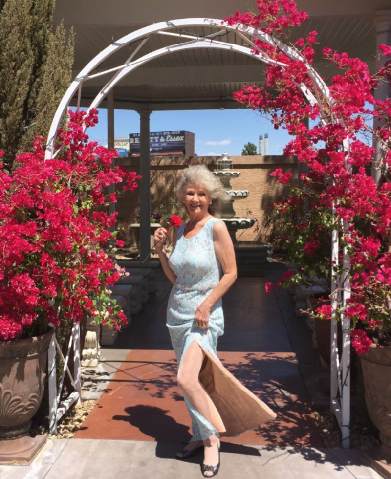 Viral Ip News Viralipnews: This 70-year-old Got Married In Vegas In Prom Dress