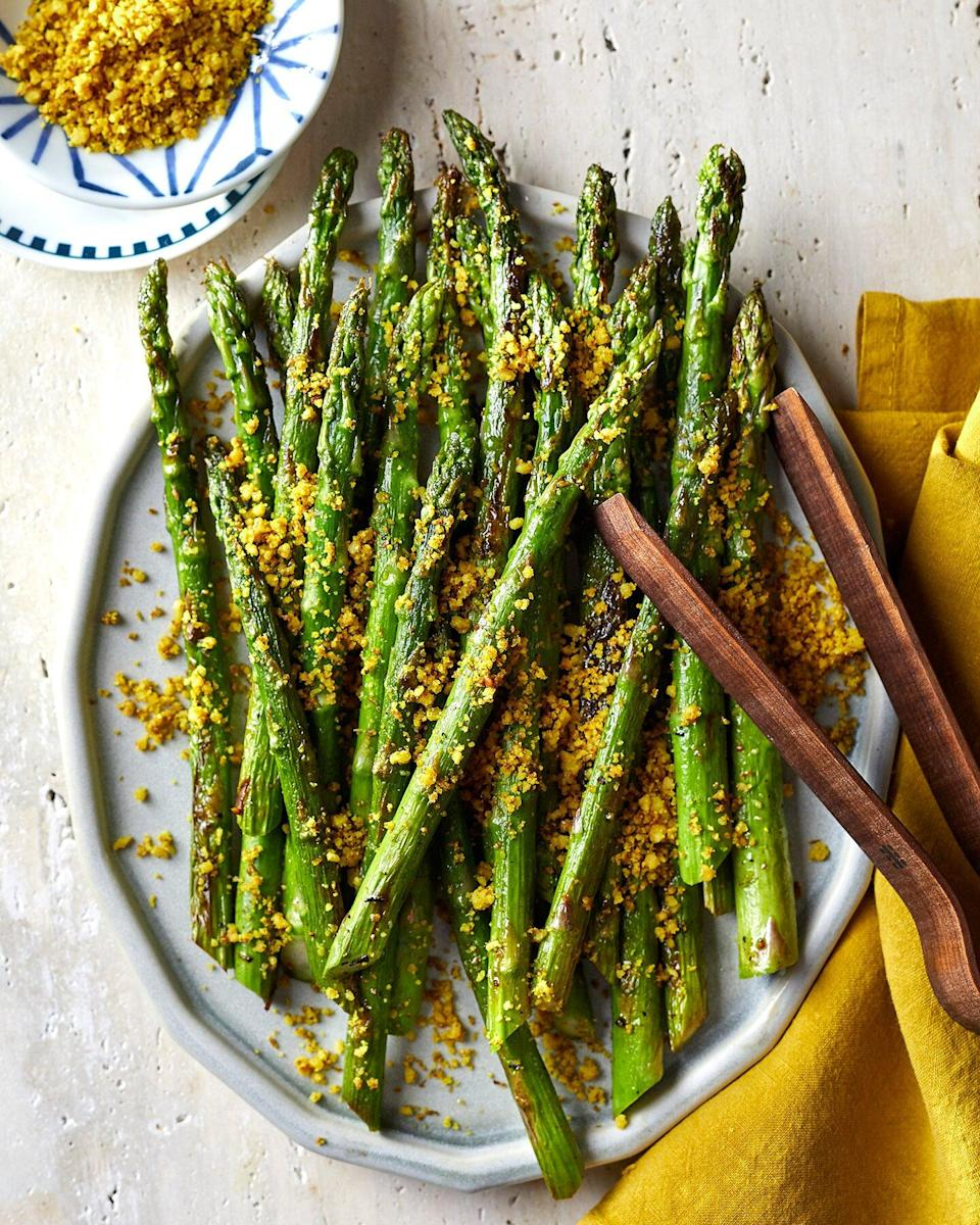 Roasted Asparagus With Flaxseed Walnut Crumble