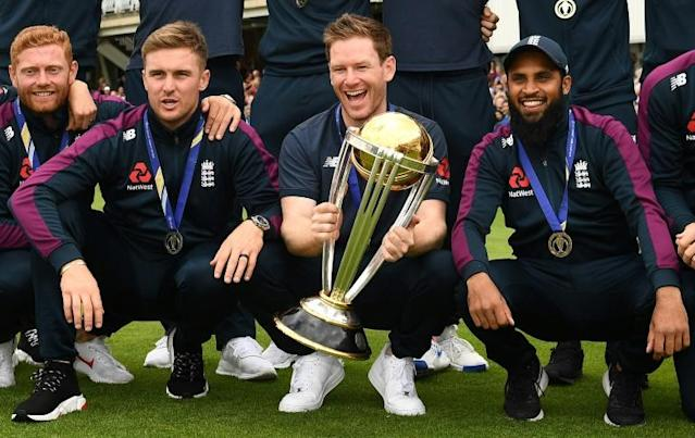 England attend a World Cup victory event at the Oval in London (AFP Photo/Daniel LEAL-OLIVAS)
