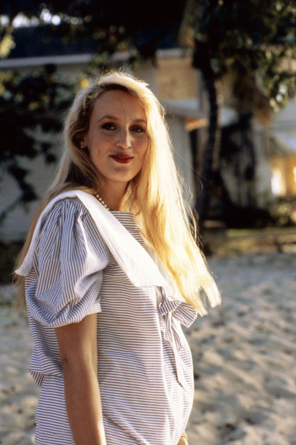 <p>Jerry Hall pregnant with daughter Elizabeth Jagger.</p>