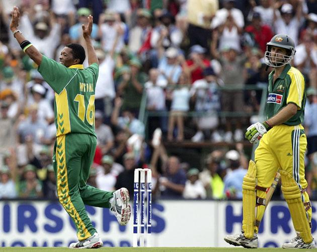 JOHANNESBURG, SOUTH AFRICA - MARCH 12:  Makhaya Ntini of South Africa celebrates the wicket of Simon Katich of Australia during the fifth One Day International between South Africa and Australia played at Wanderers Stadium on March 12, 2006 in Johannesburg, South Africa.  (Photo by Hamish Blair/Getty Images)
