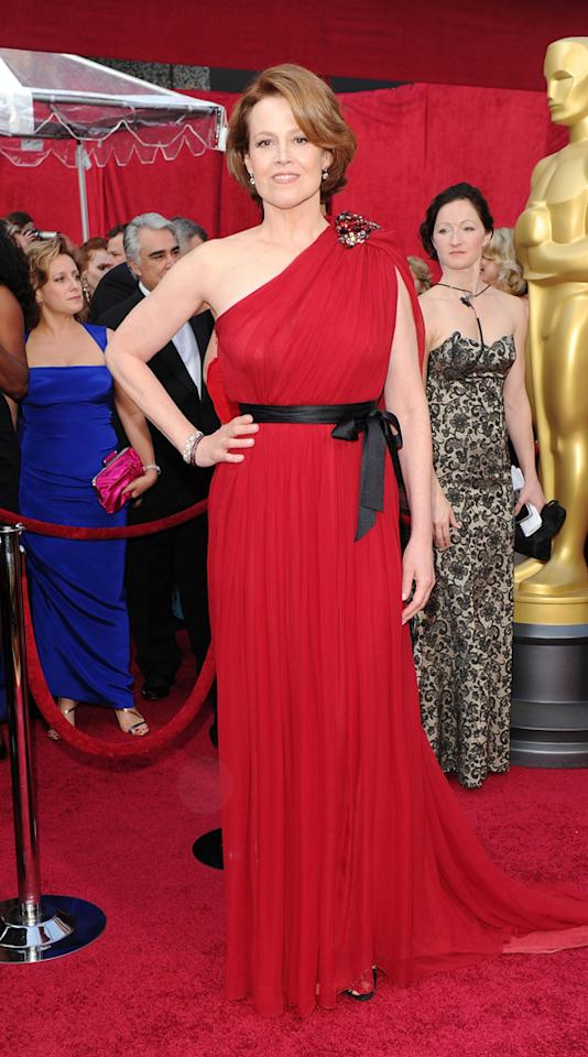 Sigourney Weaver arrives at the 82nd Annual Academy Awards held at Kodak Theatre on March 7, 2010 in Hollywood, California.