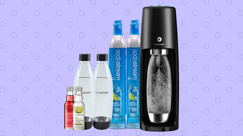 Save $18 on the SodaStream Fizzi One-Touch Sparkling Water Maker Bundle. (Photo: Amazon)