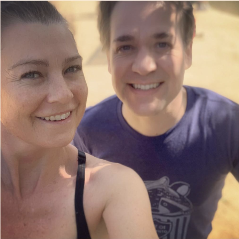 "Ellen Pompeo shared a sweet selfie of herself and former ""Grey's Anatomy"" co-star T. R. Knight. (Photo: Instagram/Ellen Pompeo)"
