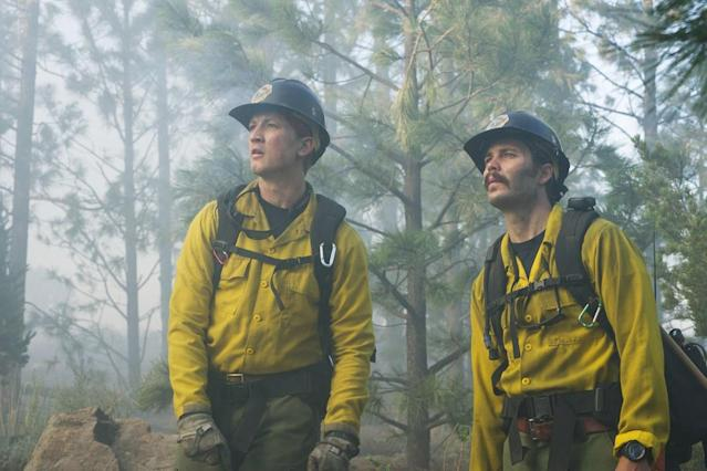 Miles Teller and Taylor Kitsch in <em>Only the Brave</em>. (Photo: Sony Pictures)