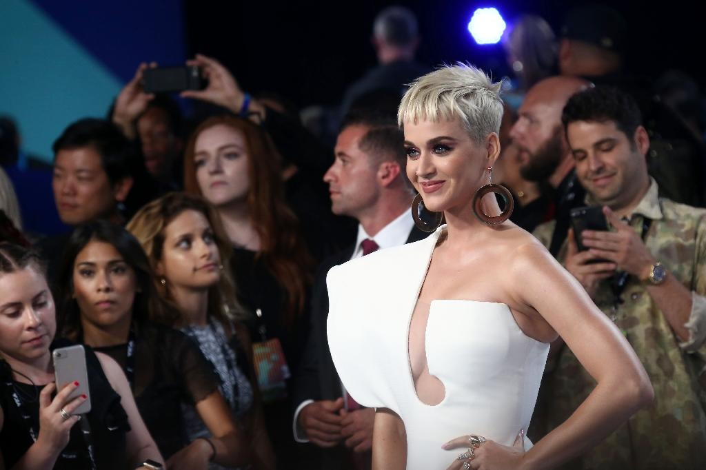 Katy Perry - here at the 2017 MTV Video Music Awards - may soon be moving into a former convent in the scenic hills of Los Angeles (AFP Photo/TOMMASO BODDI)