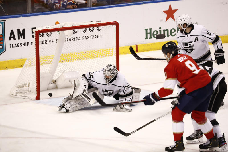 Boyle scores winner, Panthers hold off Kings 4-3