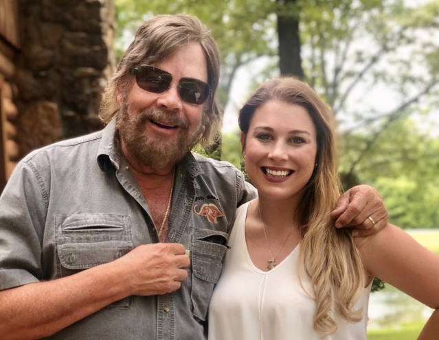 Country star Hank Williams Jr.'s 27-year-old daughter killed in car accident