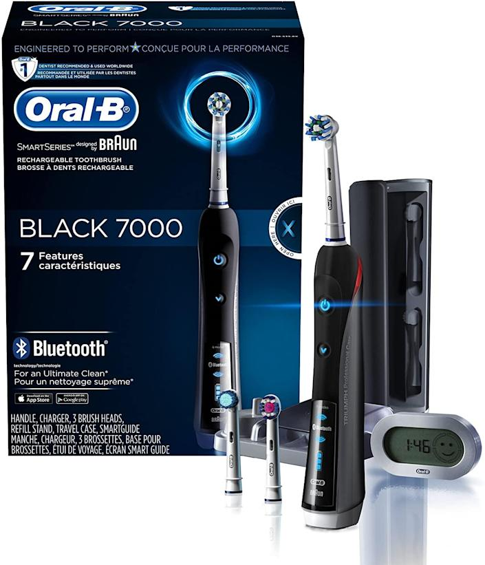 Oral-B 7000 SmartSeries Rechargeable Power Electric Toothbrush. Image via Amazon.