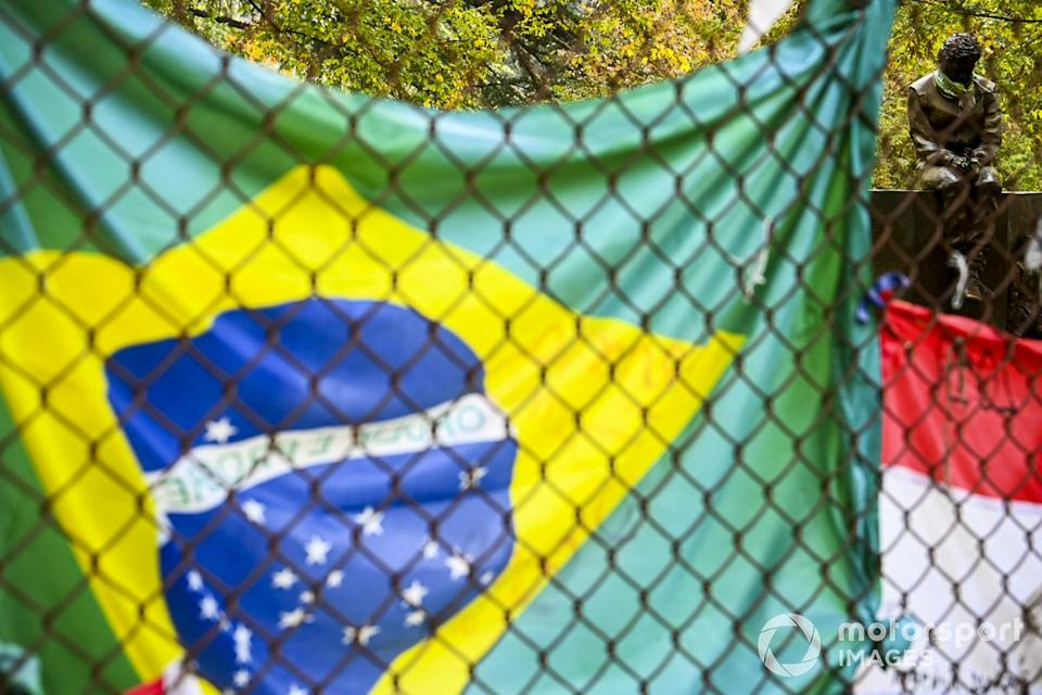 """A trackside tribute to Ayrton Senna<span class=""""copyright"""">Mark Sutton / Motorsport Images</span>"""