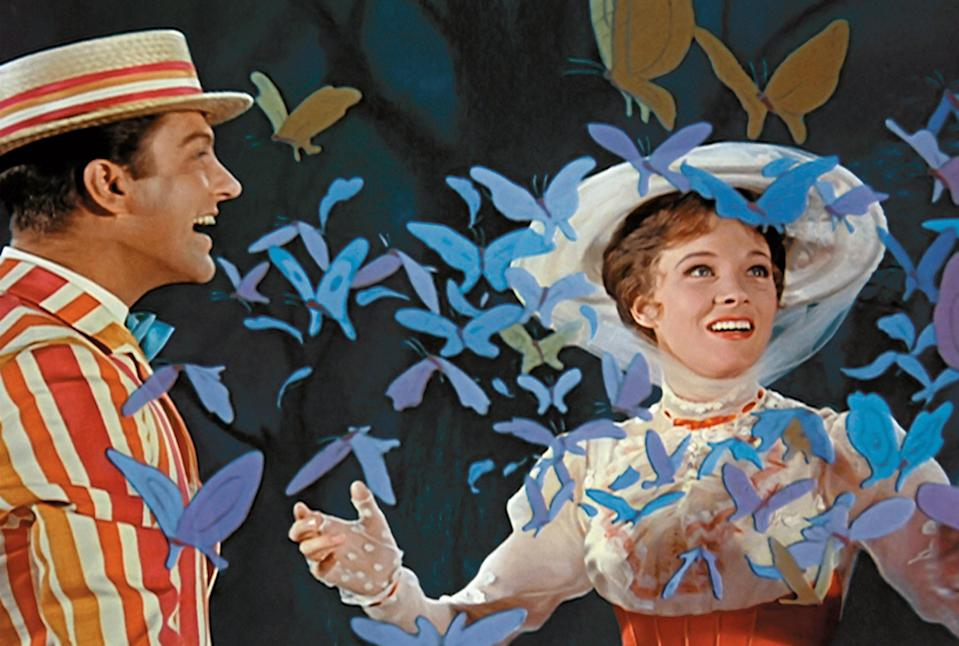 "<h1 class=""title"">MARY POPPINS, Dick Van Dyke, Julie Andrews, 1964</h1> <cite class=""credit"">Courtesy Everett Collection</cite>"