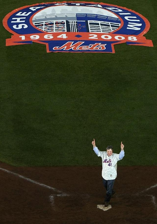 The Mets and former pitcher Tom Seaver said goodbye to Shea Stadium at the end of the 2008 baseball season (AFP Photo/Nick Laham)