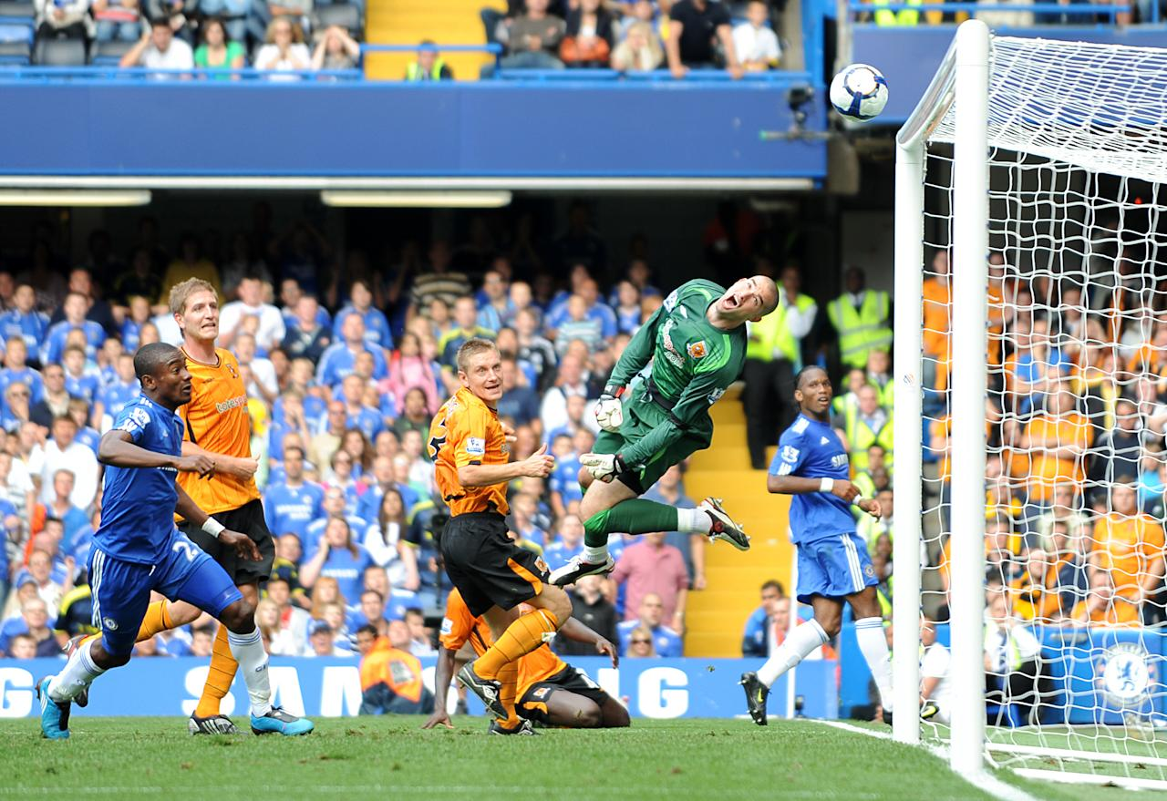 Boaz Myhill saves from Saloman Kalou for Hull City against Chelsea at Stamford Bridge - Robert Noyes (Pinnacle)