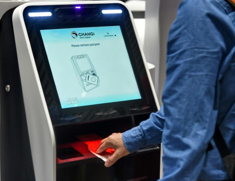 Not everyone managed to get to grips with the self check-in machines, forcing travellers to use counters manned by airport staff instead