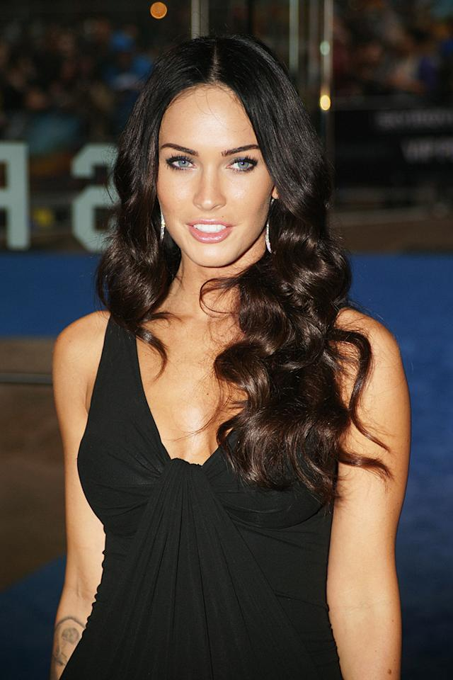"<a href=""http://movies.yahoo.com/movie/contributor/1808488000"">Megan Fox</a> at the London premiere of <a href=""http://movies.yahoo.com/movie/1809943432/info"">Transformers: Revenge of the Fallen</a> - 06/15/2009"