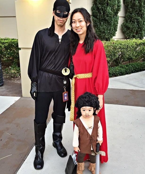 """<p>This fun family costume features three of the most beloved characters from the '80s cult classic <em>The Princess Bride</em>: Buttercup, Westley, and Inigo Montoya. Have fun storming the castle (for candy)!</p><p><strong>See more at <a href=""""https://www.hellowonderful.co/post/awesome-family-costume-inspired-by-the-princess-bride-movie/"""" rel=""""nofollow noopener"""" target=""""_blank"""" data-ylk=""""slk:Hello, Wonderful"""" class=""""link rapid-noclick-resp"""">Hello, Wonderful</a>.</strong></p><p><a class=""""link rapid-noclick-resp"""" href=""""https://go.redirectingat.com?id=74968X1596630&url=https%3A%2F%2Fwww.walmart.com%2Fip%2FSuperhero-Black-Eye-Mask-Costume-Accessory%2F824462126&sref=https%3A%2F%2Fwww.thepioneerwoman.com%2Fholidays-celebrations%2Fg32645069%2F80s-halloween-costumes%2F"""" rel=""""nofollow noopener"""" target=""""_blank"""" data-ylk=""""slk:SHOP EYE MASKS"""">SHOP EYE MASKS</a></p>"""