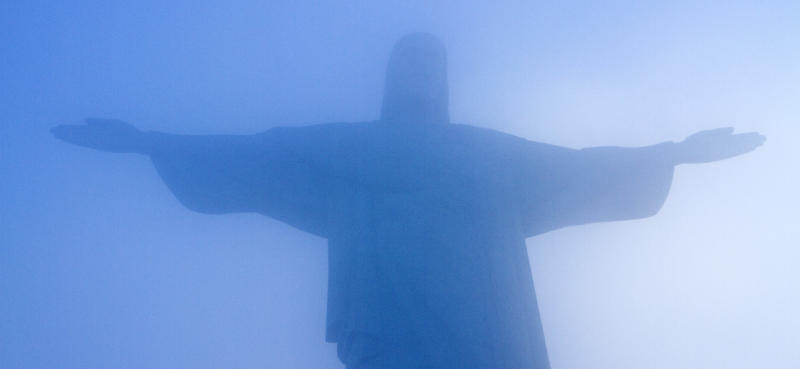 The aliens reminded Bettina Rodriguez Aguilera of the Christ the Redeemer statue in Rio de Janeiro, she once said.